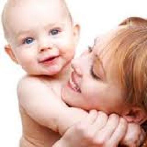 آیا بین وزن کودک در هنگام تولد و سن مادر رابطه ای وجود دارد